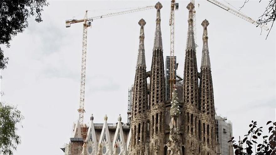 Barcelona estudia establecer una nueva tasa turística