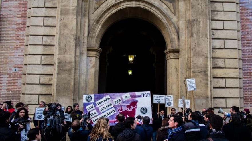 Manifestación de la Coordinadora Valenciana de ONGD