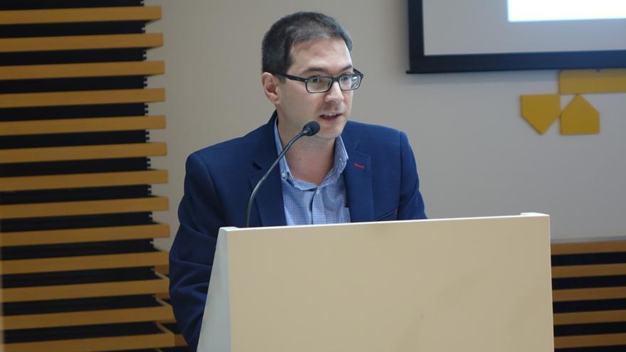 Joan Sanchis, durante su intervención en la Mancomunitat de la Vall d'Albaida