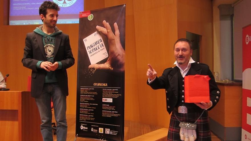 Los XII Encuentros de Magia de Otxarkoaga y Txurdinaga (Bilbao) ofrecerán desde este jueves magia, talleres y charlas