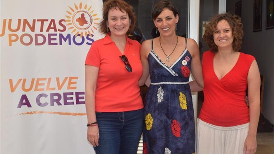 Lola Sánchez junto a compañeras de la candidatura Juntas Podemos