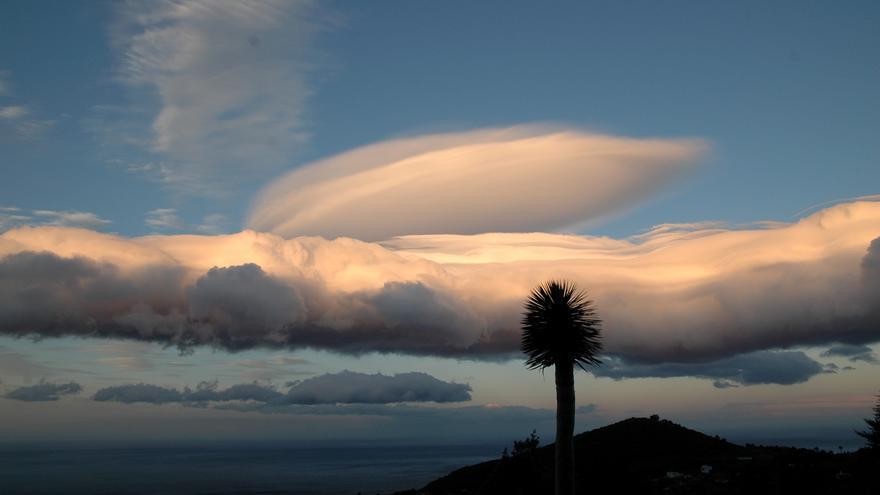Nubes de viento en La Palma.