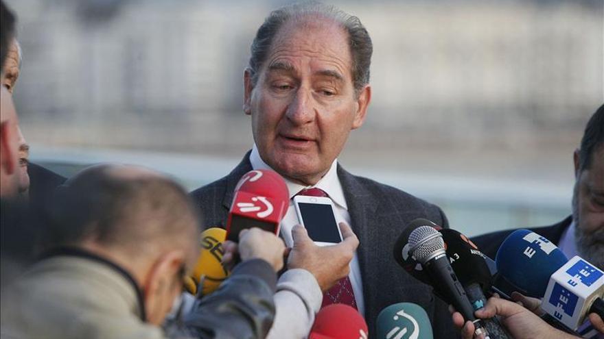"""El grupo de Currin hará """"recomendaciones"""" para """"avanzar"""" en la paz en Euskadi"""