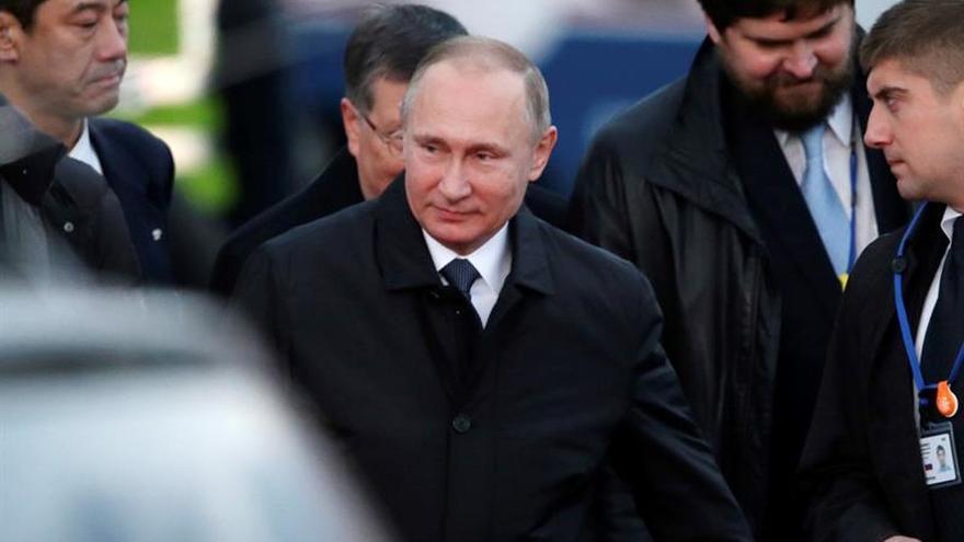 Putin llega a Japón para su cumbre con Abe con casi tres horas de retraso