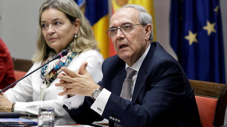 El fiscal jefe de Canarias, Vicente Garrido, en una comisión parlamentaria