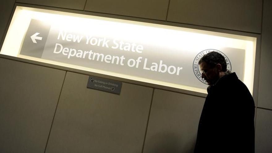 Las solicitudes semanales del subsidio por desempleo en EE.UU. bajan en 1.000