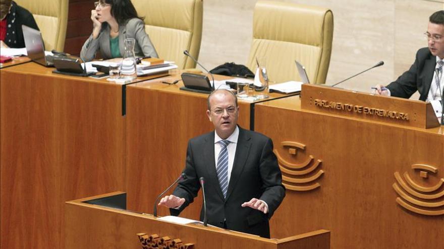 """Monago cree """"un paso atrás"""" el acuerdo PSOE y PP sobre los viajes de los parlamentarios"""