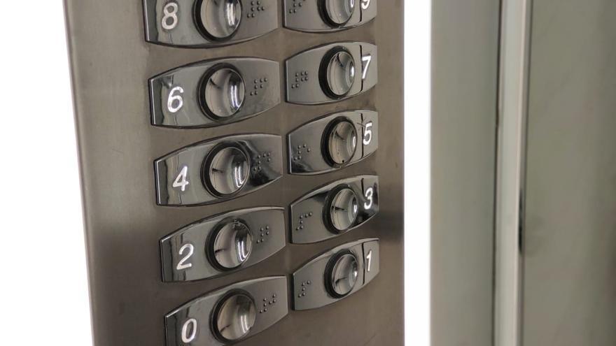 La instalación de ascensores continúa siendo una prioridad en Santander.