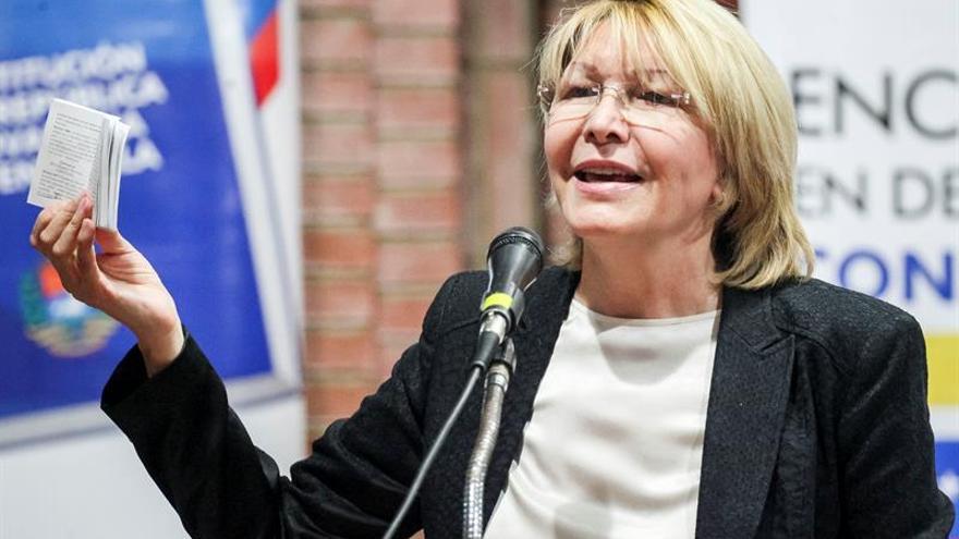 Luisa Ortega dice que sigue como fiscal de Venezuela y achaca su remoción al Ejecutivo