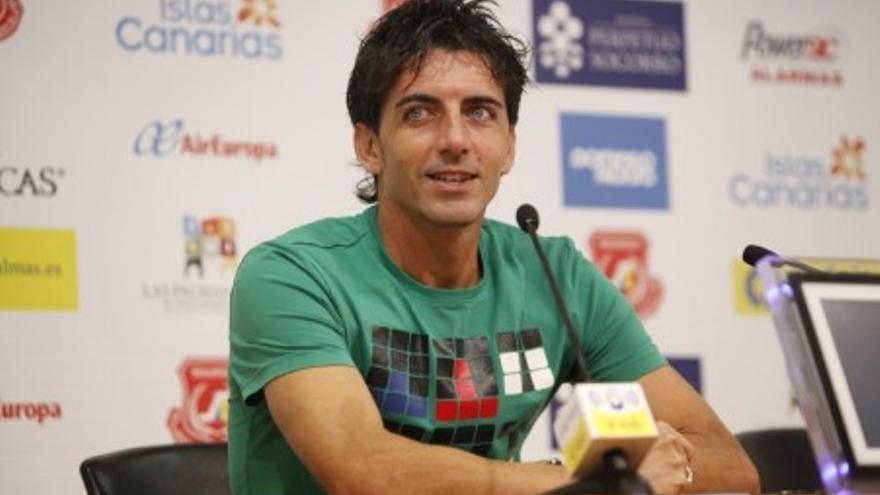 Javi Guerrero en la sala de prensa del Gran Canaria (udlaspalmas.es)