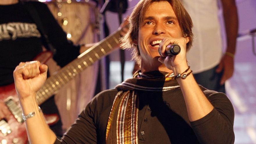 Carlos Baute ofrecerá un concierto solidario en Torrelavega el 14 de agosto.