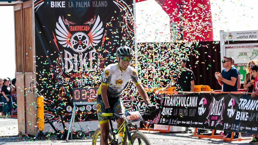 En la imagen, el ciclista Iván Ventura. Foto: ALEX DÍAZ.