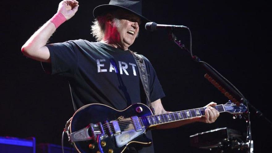 En la imagen, el músico canadiense Neil Young.