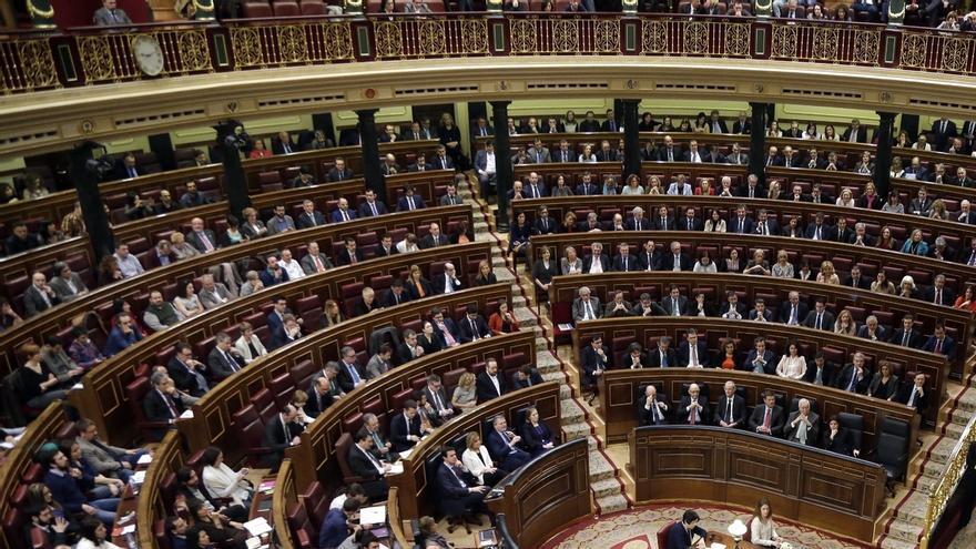 Un 50 por ciento de los españoles está interesado en la política pero una gran mayoría recela de los políticos