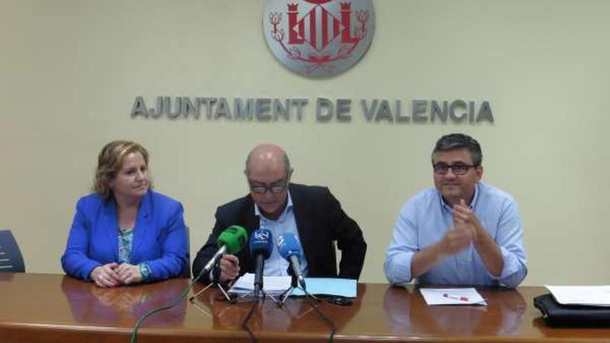 Mª Àngles Ramón-Llin, Alfono Novo y Cristóbal Grau, tres de los ediles del PP investigados.