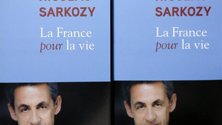 """Sarkozy, un """"best seller"""" en el difícil panorama de la literatura política"""