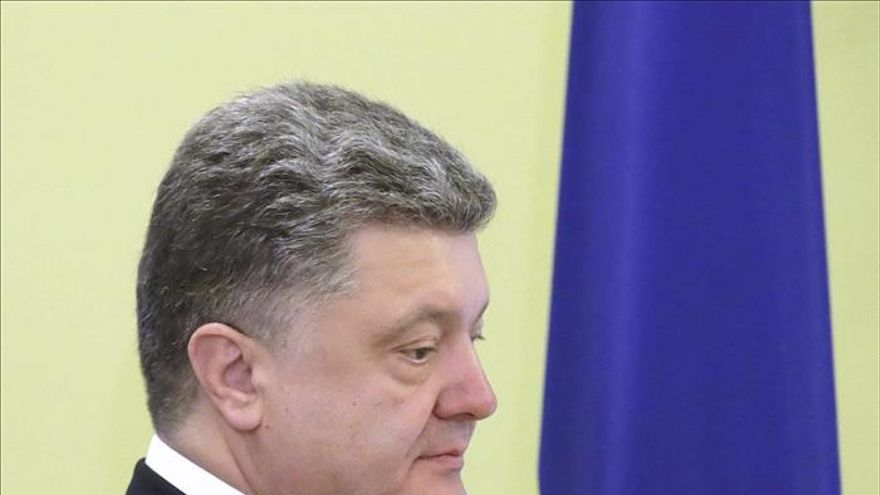 El ingreso de Ucrania en la OTAN se decidirá en referéndum, dice Poroshenko
