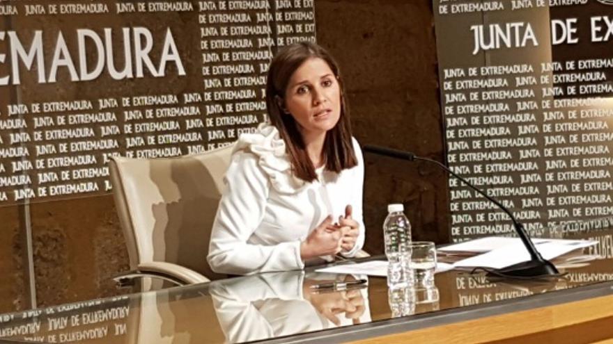 La portavoz de la Junta, Isabel Gil Rosiña, en rueda de prensa / Junta