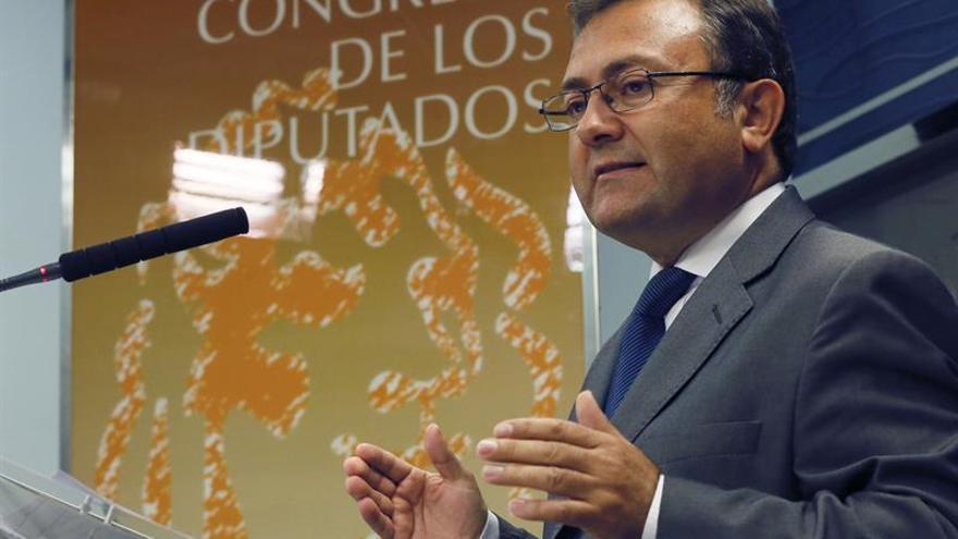 """El PSOE ve """"gravedad constitucional"""" en la postura de Rajoy para el debate de investidura"""