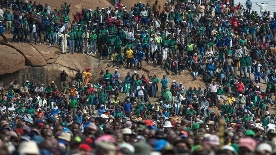 Celebración del aniversario para conmemorar la masacre de Marikana en Sudáfrica.