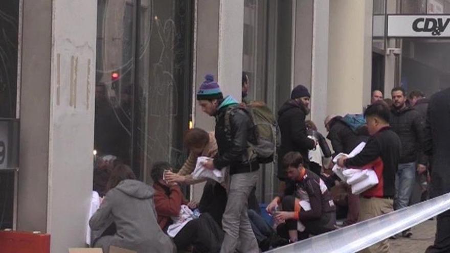 Al menos una decena de muertos en la estación de metro de Maalbeek de Bruselas