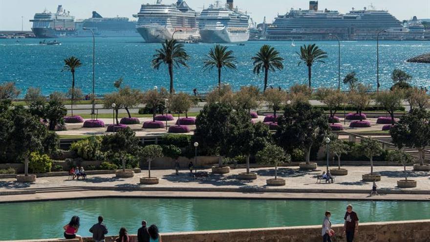 Una serie de cruceros en el Puerto de Palma