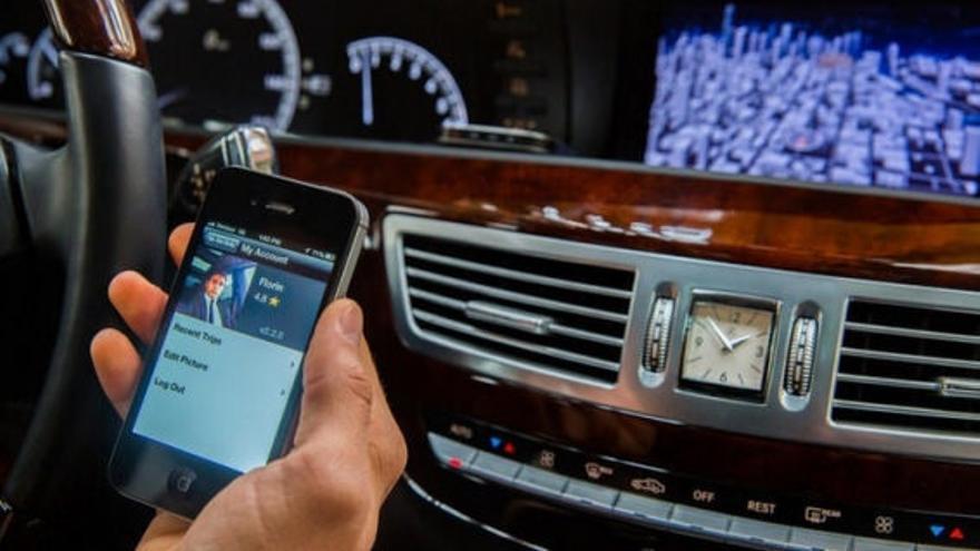 La app muestra la valoración del conductor y solo comentarios 5 estrellas ( Mighty Travels | Flickr)