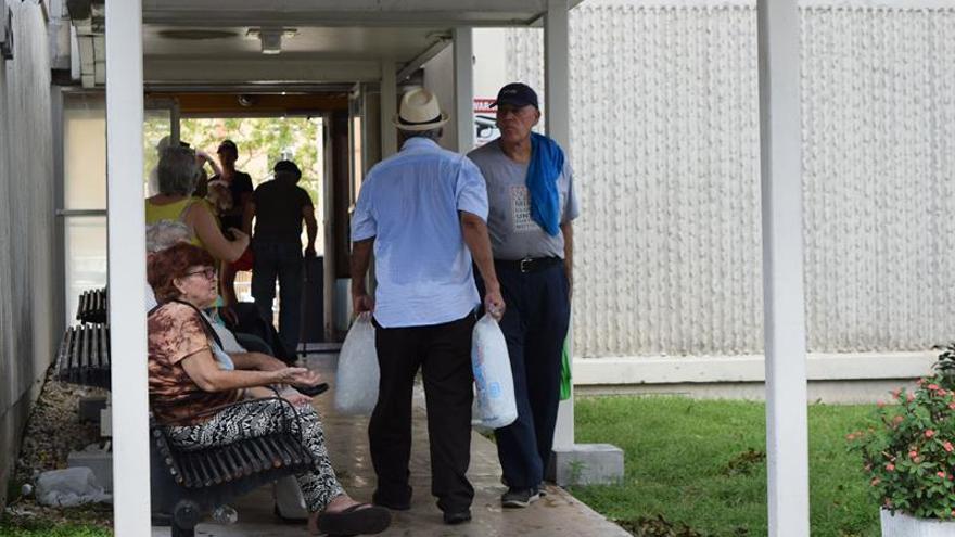 Aumentan a diez los muertos en un asilo de Florida sin luz tras el paso del huracán Irma