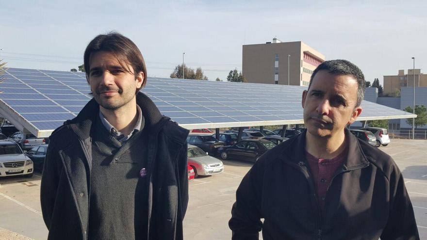 Sánchez y Urbina han explicado la apuesta de Podemos por las renovables