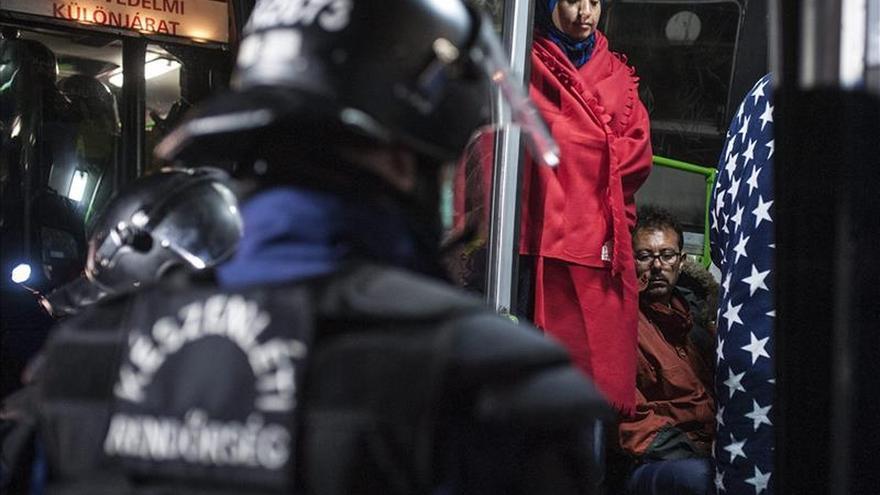Tensión en el sur de Hungría, por donde siguen entrando refugiados