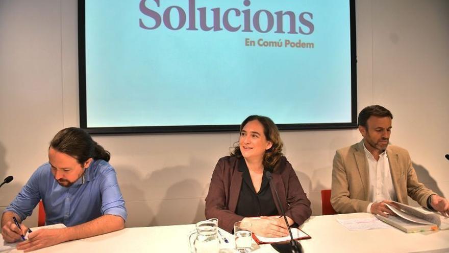 Iglesias, Colau y Asens, en un acto en el Col·legi de Periodistes