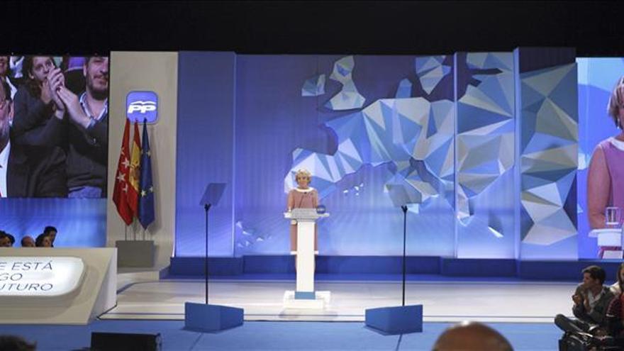 """Aguirre anima a los ciudadanos a votar """"pensando en lo mejor para España"""""""