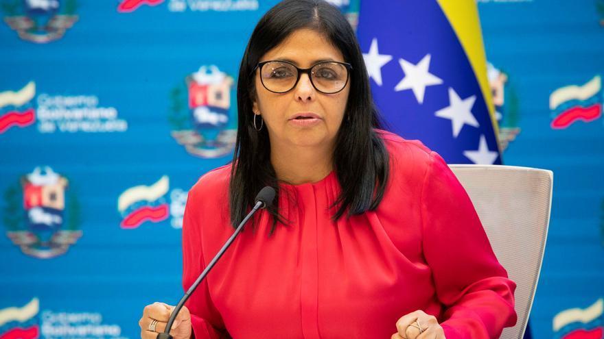 Vicepresidenta venezolana pide a curas quitarse la sotana para hacer política