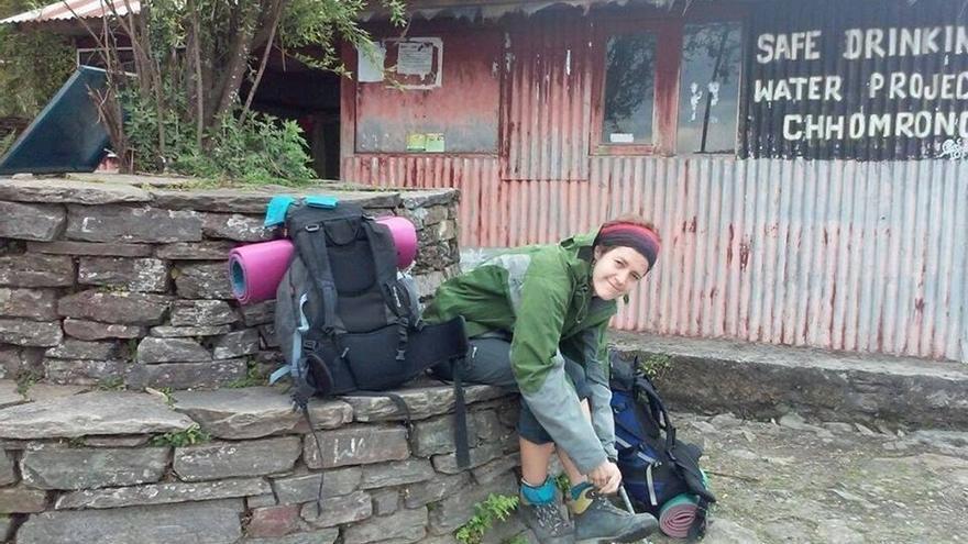 Un montañero evacuado confirma a la familia de Isabel Ortiz que ésta estaba en Langtang cuando pasó el terremoto