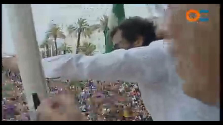 Celebración en las calles de Cádiz por la investidura de 'Kichi'