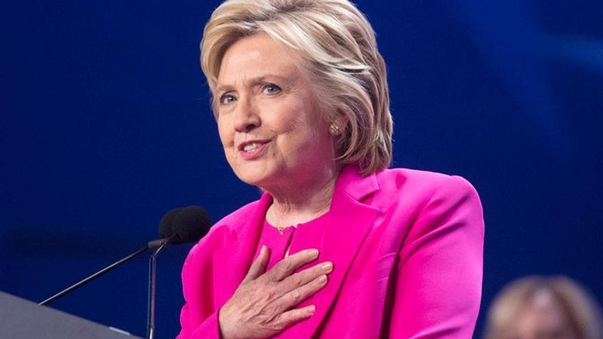 """Hillary Clinton sigue convencida de que """"el futuro es femenino"""""""