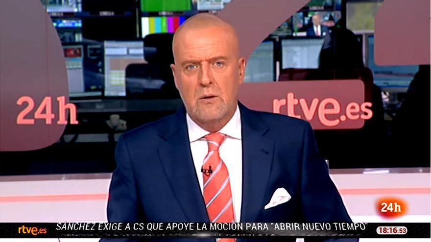 """El presentador del Canal 24 horas: """"Volvemos mañana desde el Pirulí que te vi"""""""