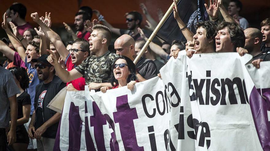 Concentración antifascista en Gracia
