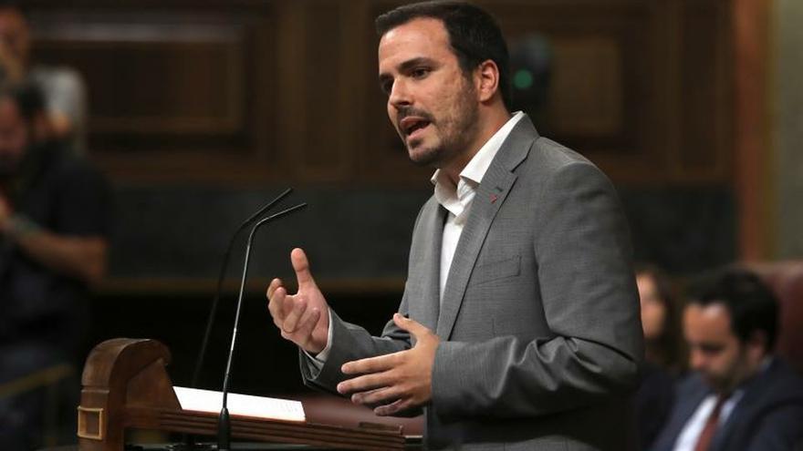 """Garzón lamenta los """"llamamientos"""" de Sánchez para que PP y Cs se abstengan"""