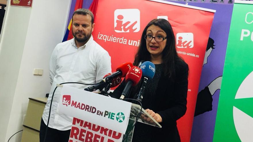 Raúl Camargo, portavoz de Anticapitalistas Madrid, y Sol Sánchez, candidata de IU a la Comunidad de Madrid.