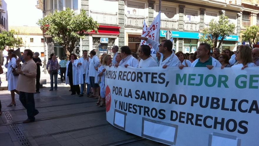 Marea Blanca convoca este domingo protestas en defensa de la sanidad pública en Sevilla, Granada, Cádiz y Málaga