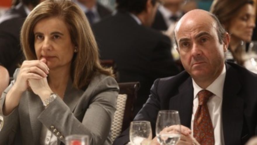 Luis De Guindos Y Fátima Bañez, En Desayuno De Ana Mato