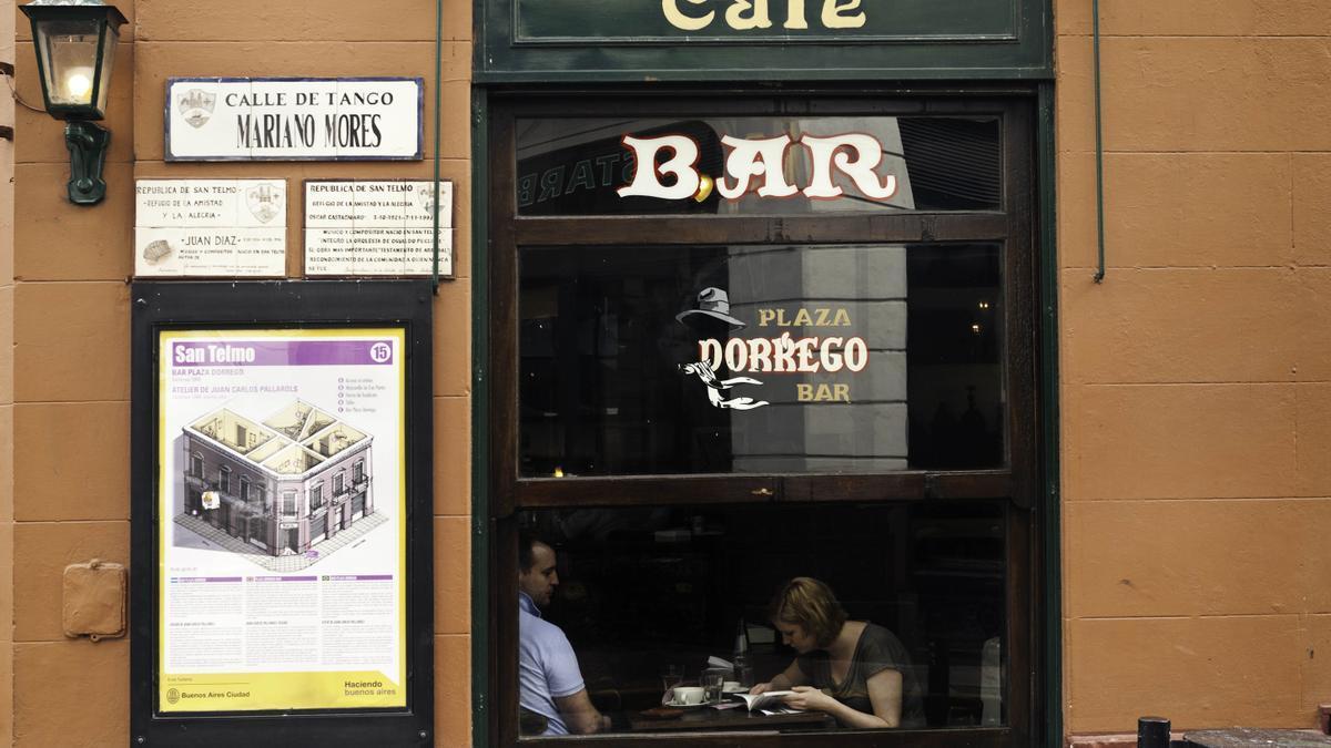 Los bares podrán permanecer abiertos hasta las 3 y con su aforo máximo.