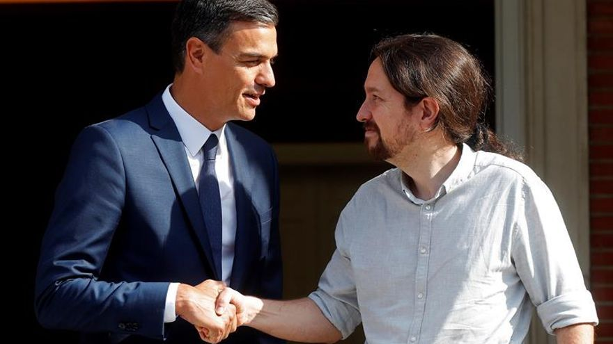 Pedro Sánchez y Pablo Iglesias durante un encuentro en Moncloa.