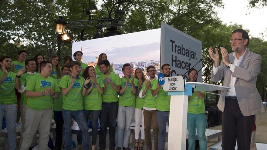 Rajoy pide a Sánchez y Díaz que decidan si quieren hablar con el PP en Andalucía