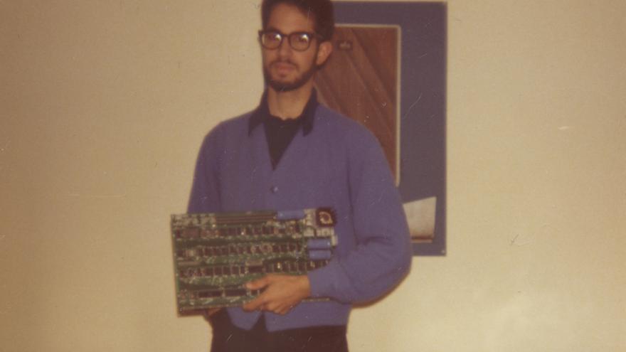 Bill Fernandez fue el primer empleado de Apple Computer