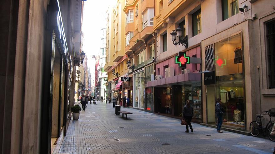 Las ventas del comercio minorista en Cantabria suben un 4,5% y el empleo un 1,9% en junio