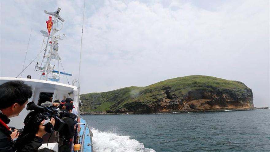 Japón denuncia una nueva incursión de naves chinas en aguas de las Senkaku