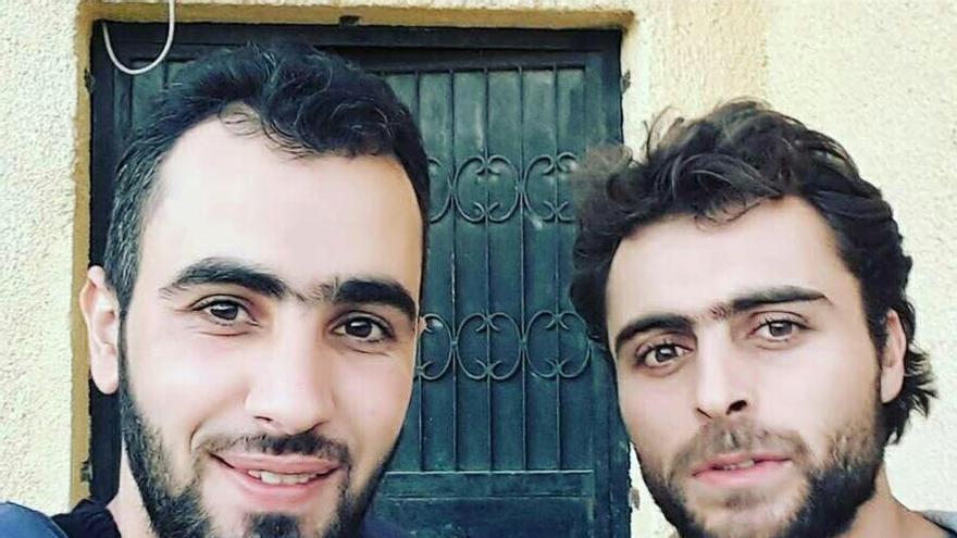 El periodista Hadi Abdullah junto a su compañero Khaled