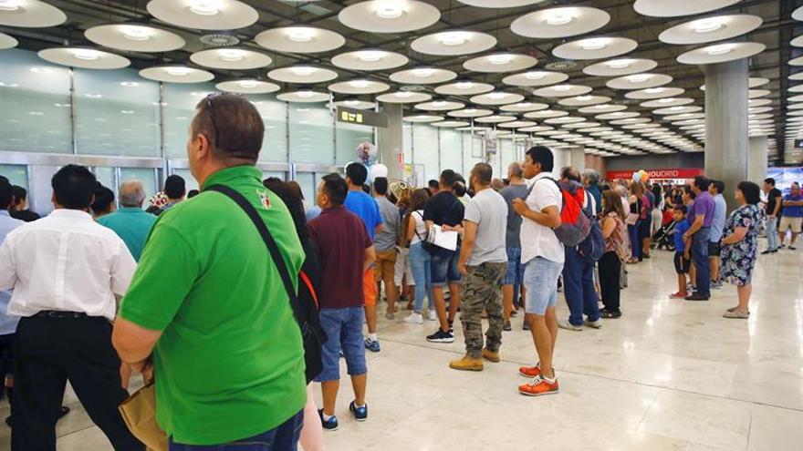Aena supera los 66,4 millones de pasajeros hasta abril, un 9,4 por ciento más